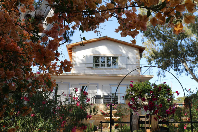 seafront villa for sale in chania ah049 exterior