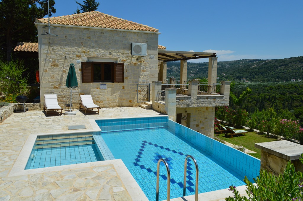 Villa for sale in Apokoronas Douliana Chania second house pool