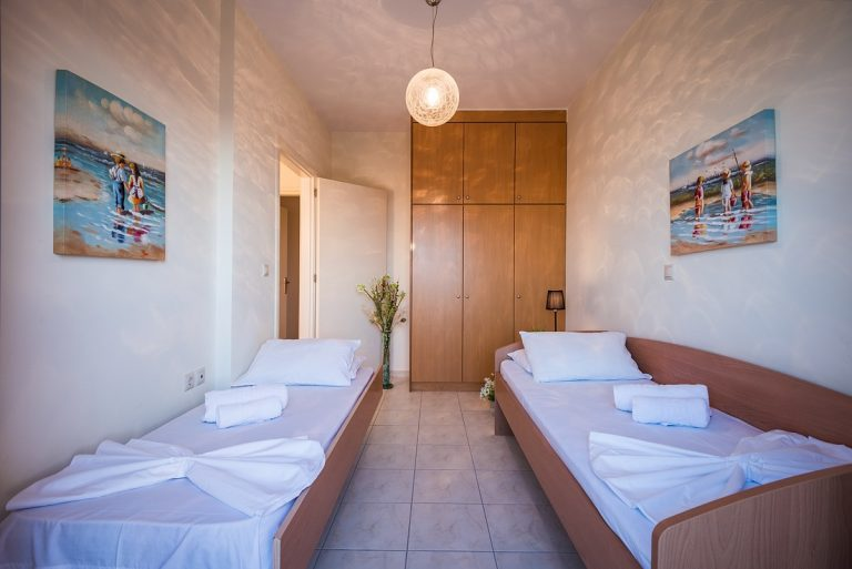 villas in chania crete for sale