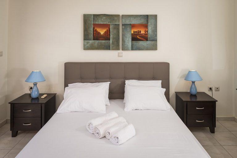 villas in chania crete for sale bed