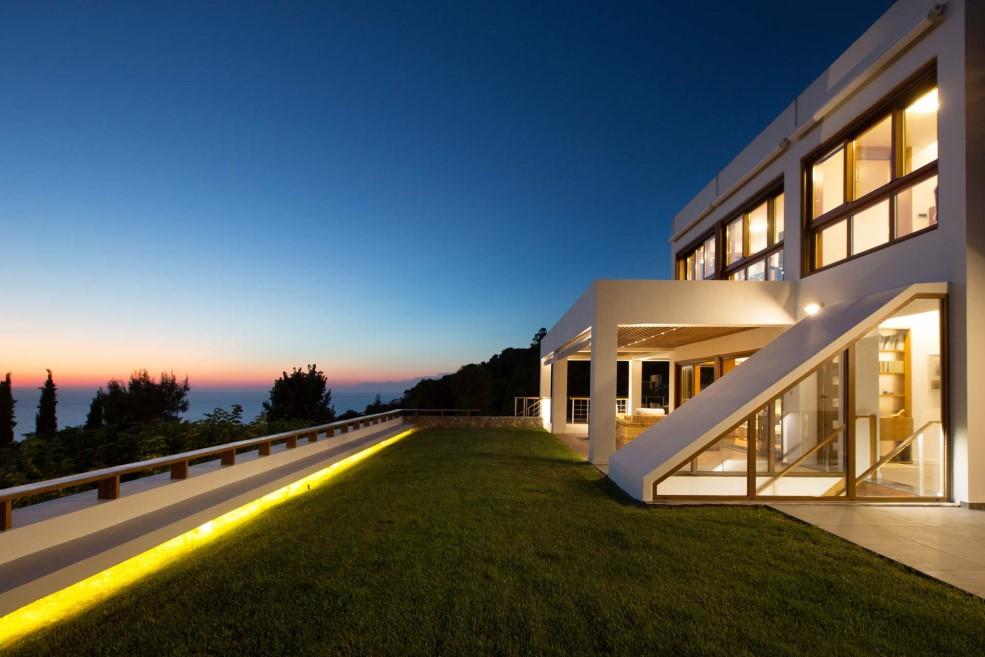 Super Luxury Villa in Akrotiri Chania