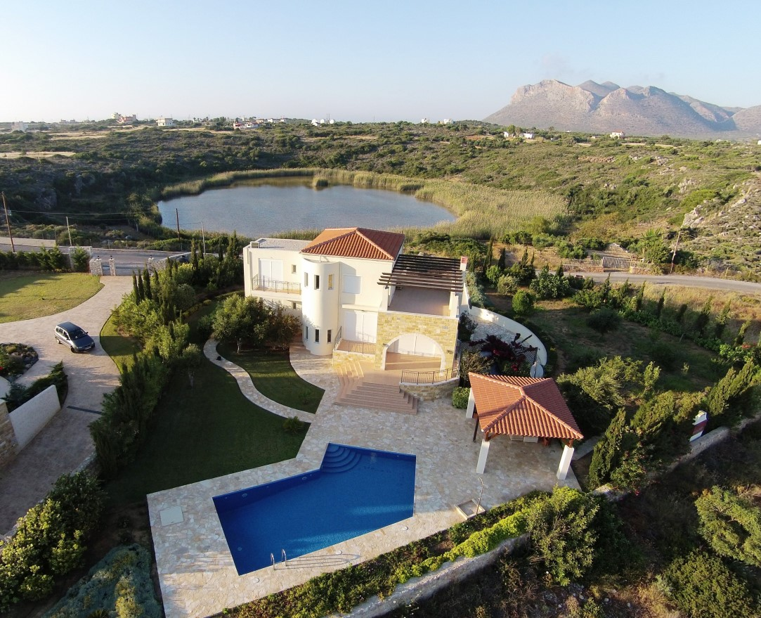 Villa For Sale In Akrotiri Chania
