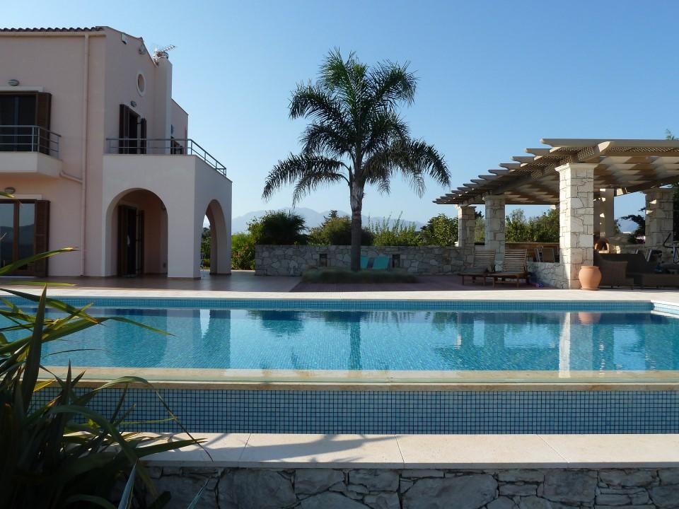 Luxury living in the Cretan Nature