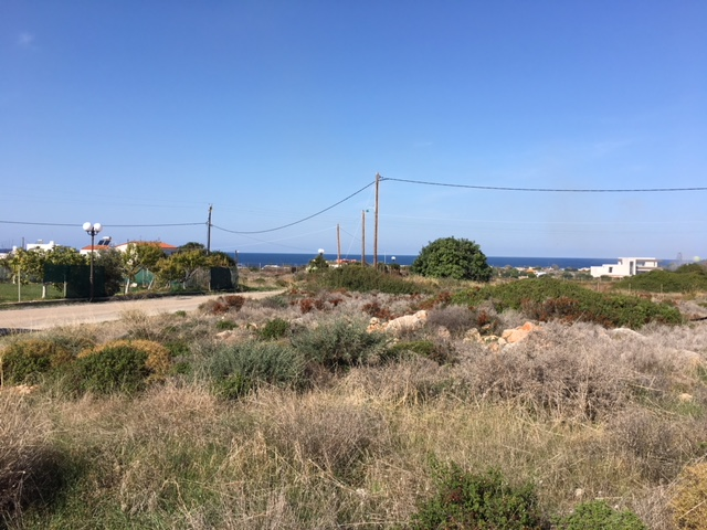 Large plot of land with sea views in Stavros