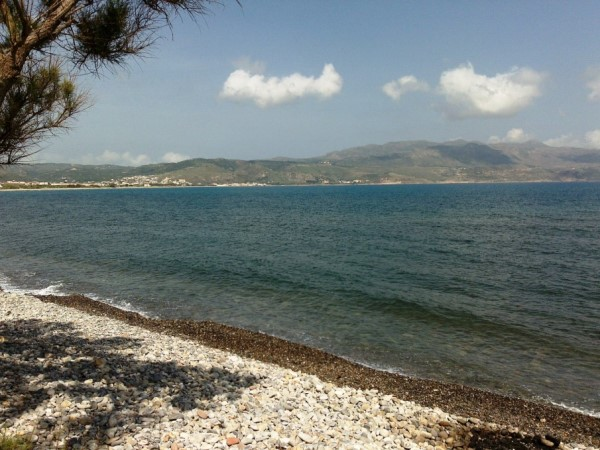 Direct Access to Tavronitis Beach