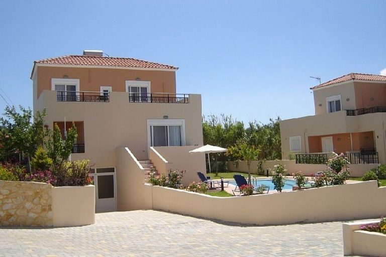 Villas for sale with private pools in Kolymbari Crete parking