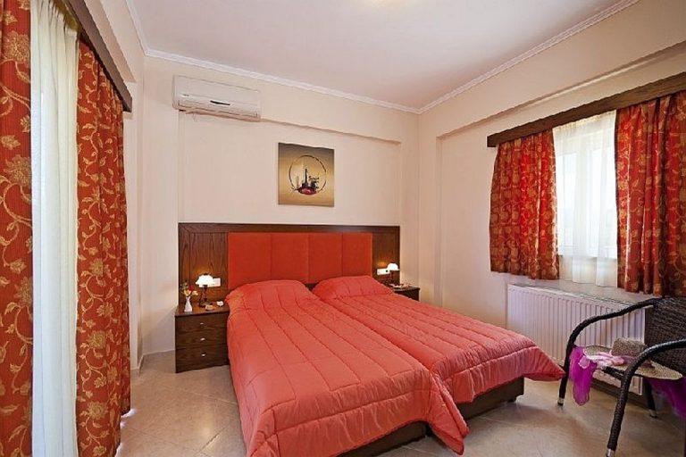 Villas for sale with private pools in Kolymbari Crete bedroom