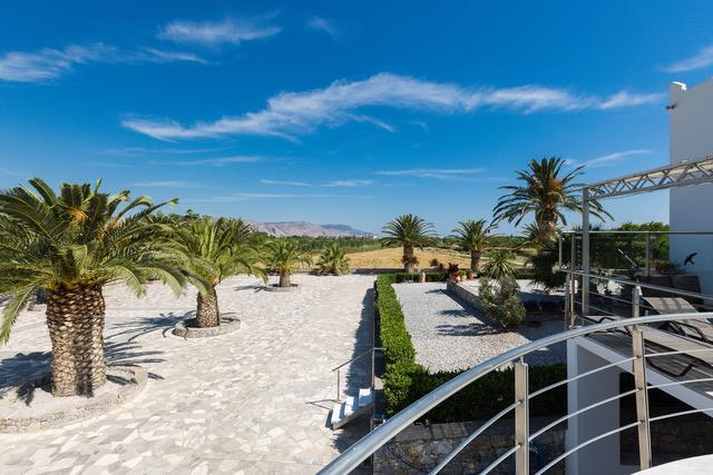 Luxury villa for sale in Crete outdoor
