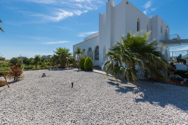 Luxury villa for sale in Crete side view