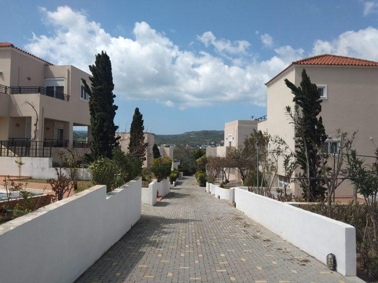 Villas for sale with private pools in Kolymbari Crete allley