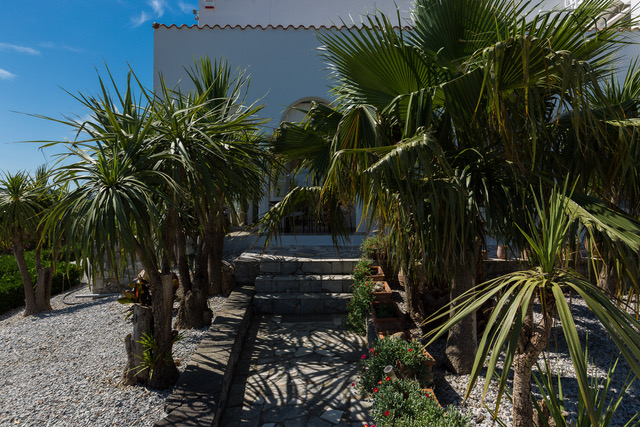 Luxury villa for sale Crete Chania entrance stairs