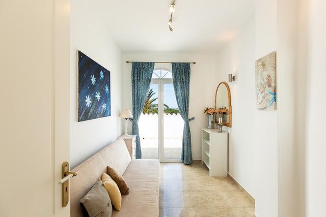 Luxury villa for sale Crete living