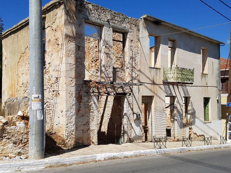 Old stone house for sale in Apokoronas Chania Crete facade