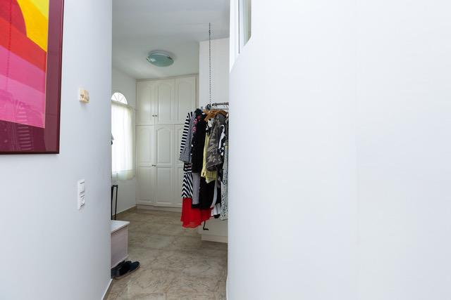 Villa for sale Crete Georgioupoli walkin wardrobe