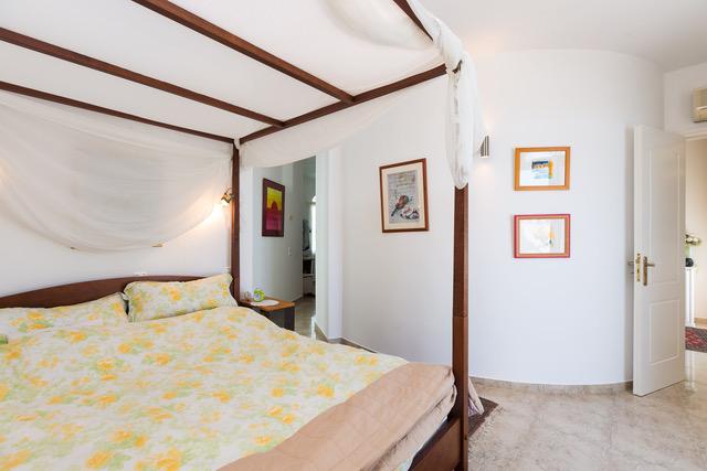 Villa for sale Crete Greece bed detail