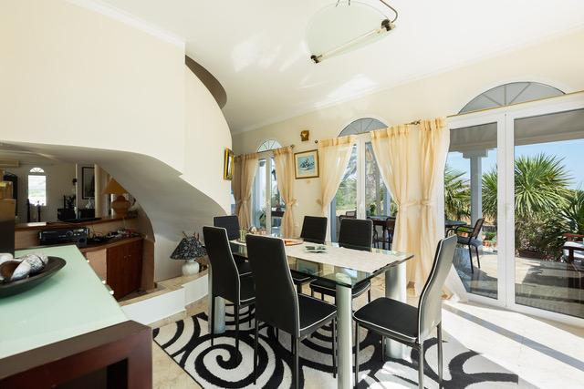 Villa for sale Crete Greece dining area