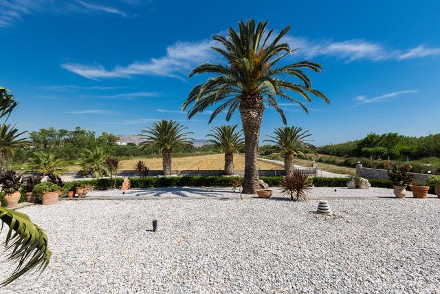 Villa for sale near beach Crete Georgioupoli landscaped area