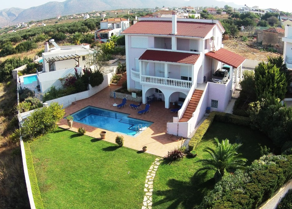 Villa in Akrotiri Chania for sale with amazing views