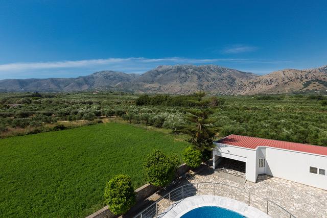 Villa for sale crete pool