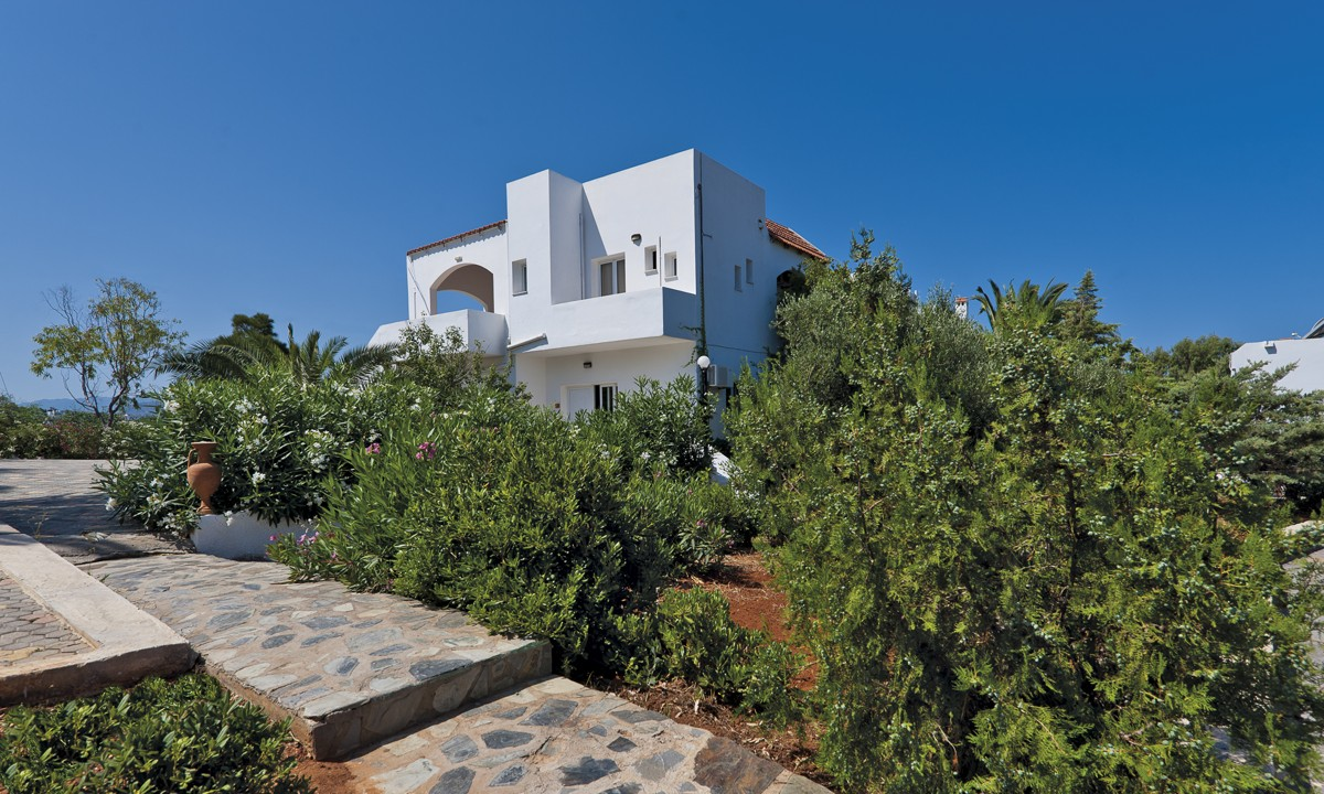 Hotel for sale in Akrtotiri Chania bungalow