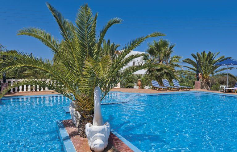Hotel for sale in Akrtotiri Chania pool palm