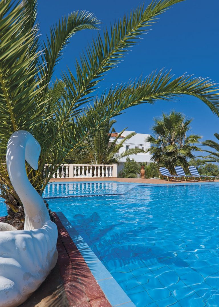 Hotel for sale in Akrtotiri Chania pool side view