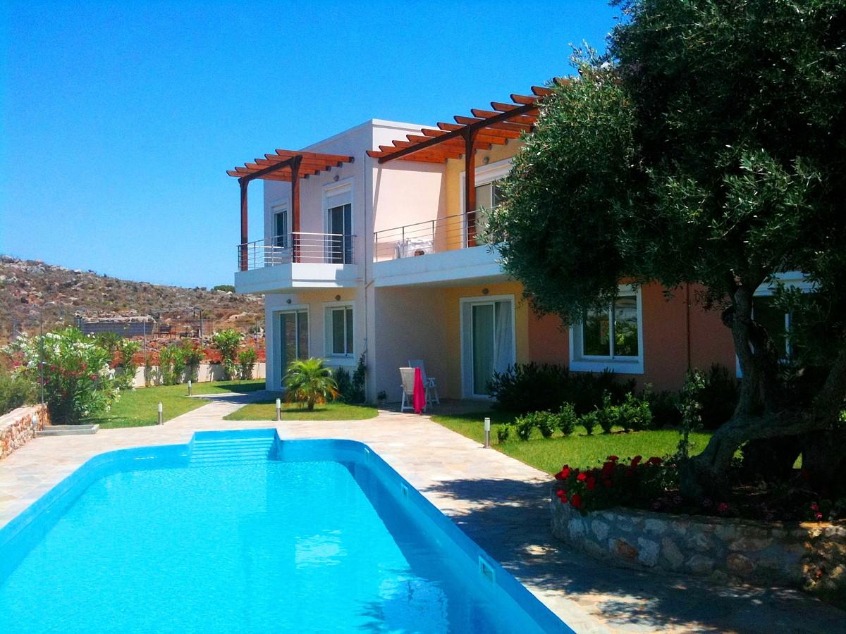 house for sale in chania pool
