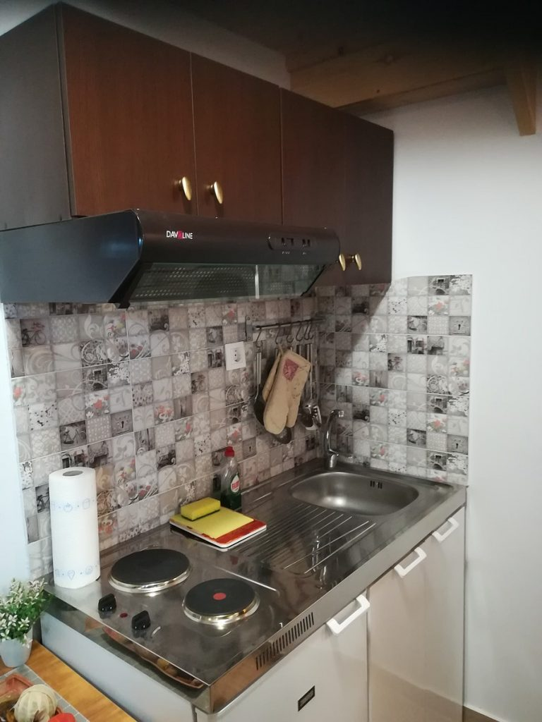 house for sale in Chania old town kitchenette view
