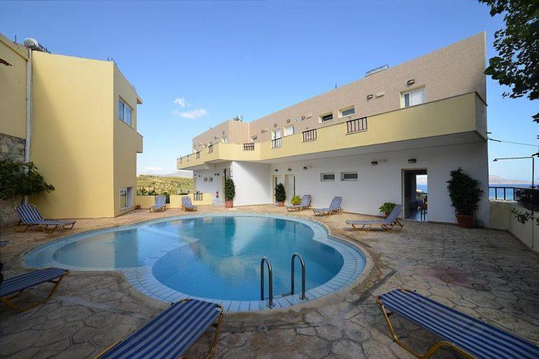 hotel foir sale in chania pool