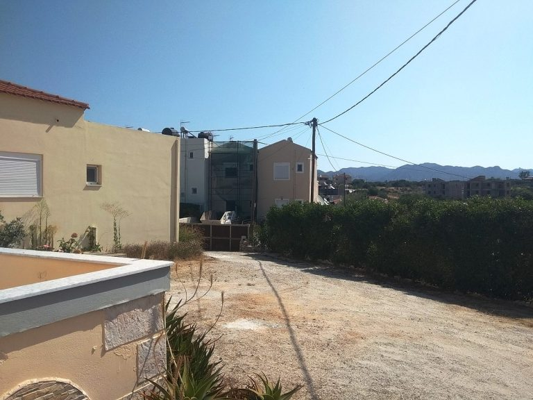 House in Chania Crete for sale garage door