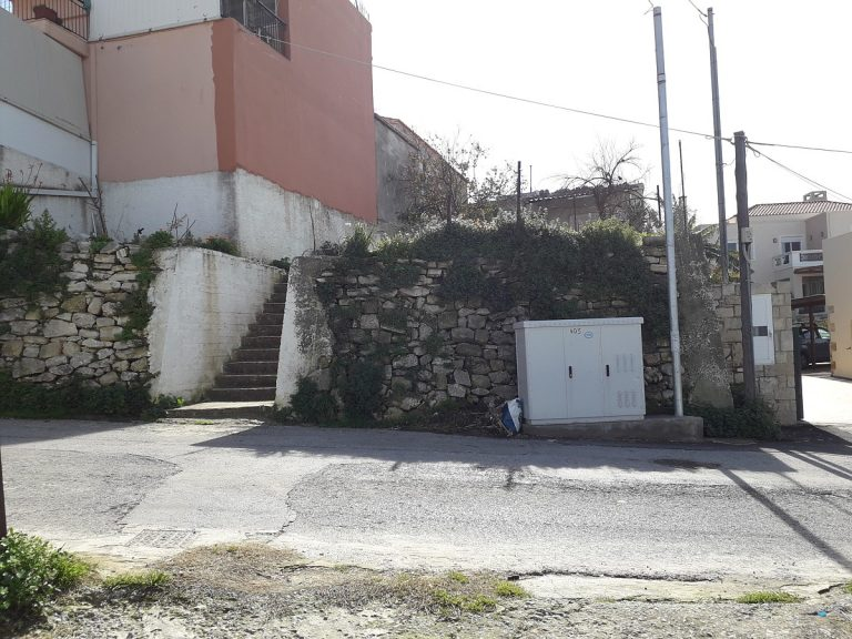 stone-house-for-sale-in-chania-entrance