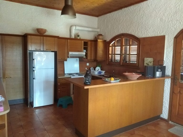 house for sale in chania kolymbari kitchen