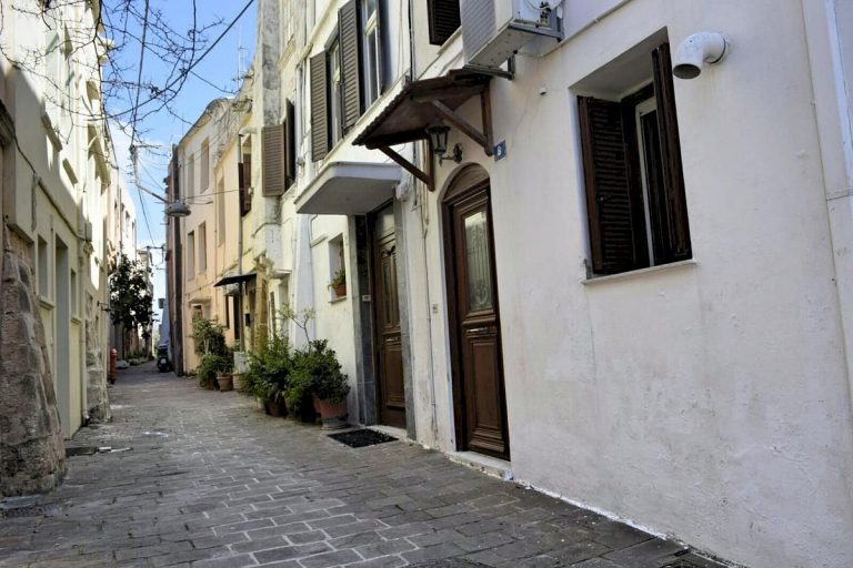 Houses for sale in the old town of Chania Crete facade CH097