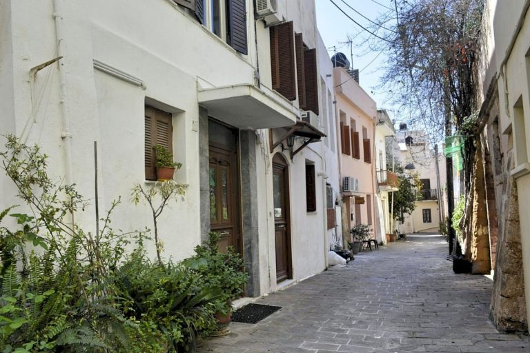 Houses for sale in the old town of Chania Crete entrance CH097