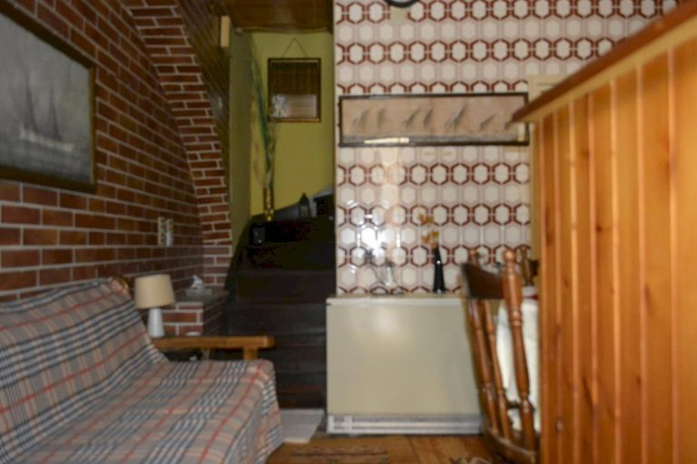 Houses for sale in the old town of Chania Crete staircase CH097