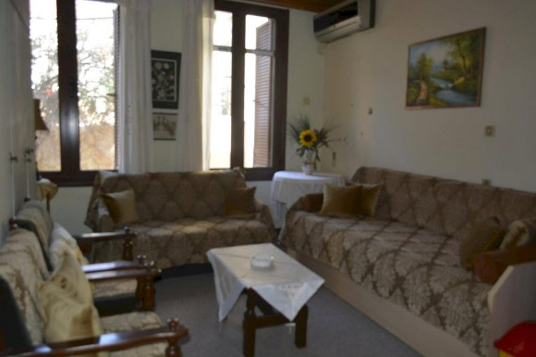 Houses for sale in the old town of Chania Crete living area CH097