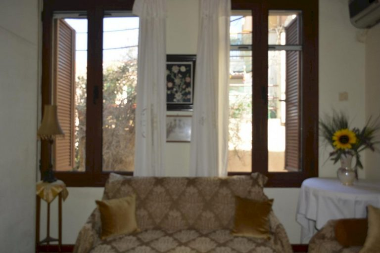 Houses for sale in the old town of Chania Crete windows CH097