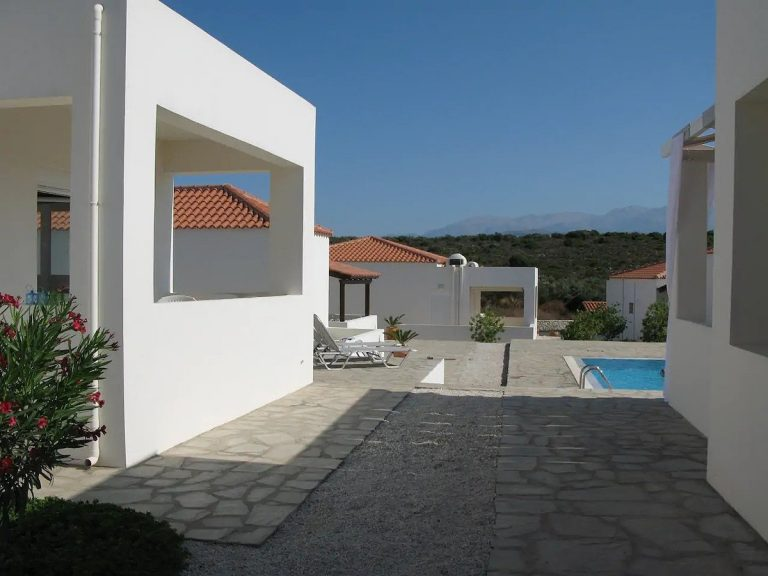 House for sale in Akrotiri Chania Crete swimming pool area ah101