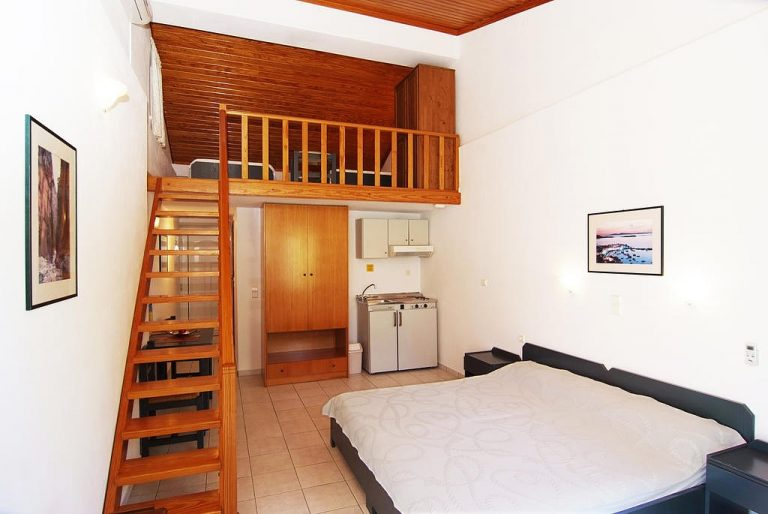 guesthouse for sale in apokoronas chania crete studio with an attic kh113