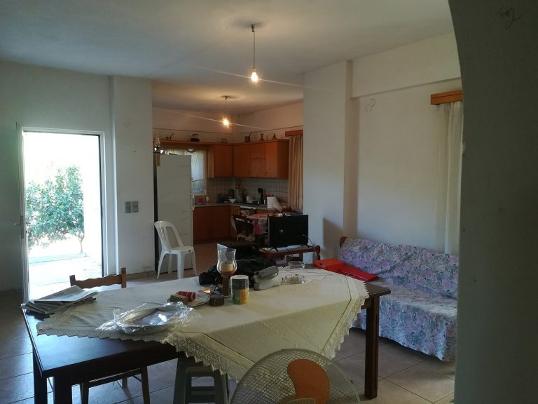 house for sale in chania kolymbari living area
