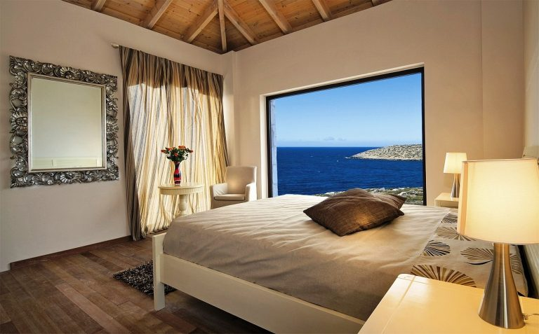 hotel for sale in crete akrotiri