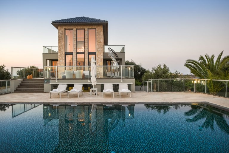hotel for sale in crete akrotiri