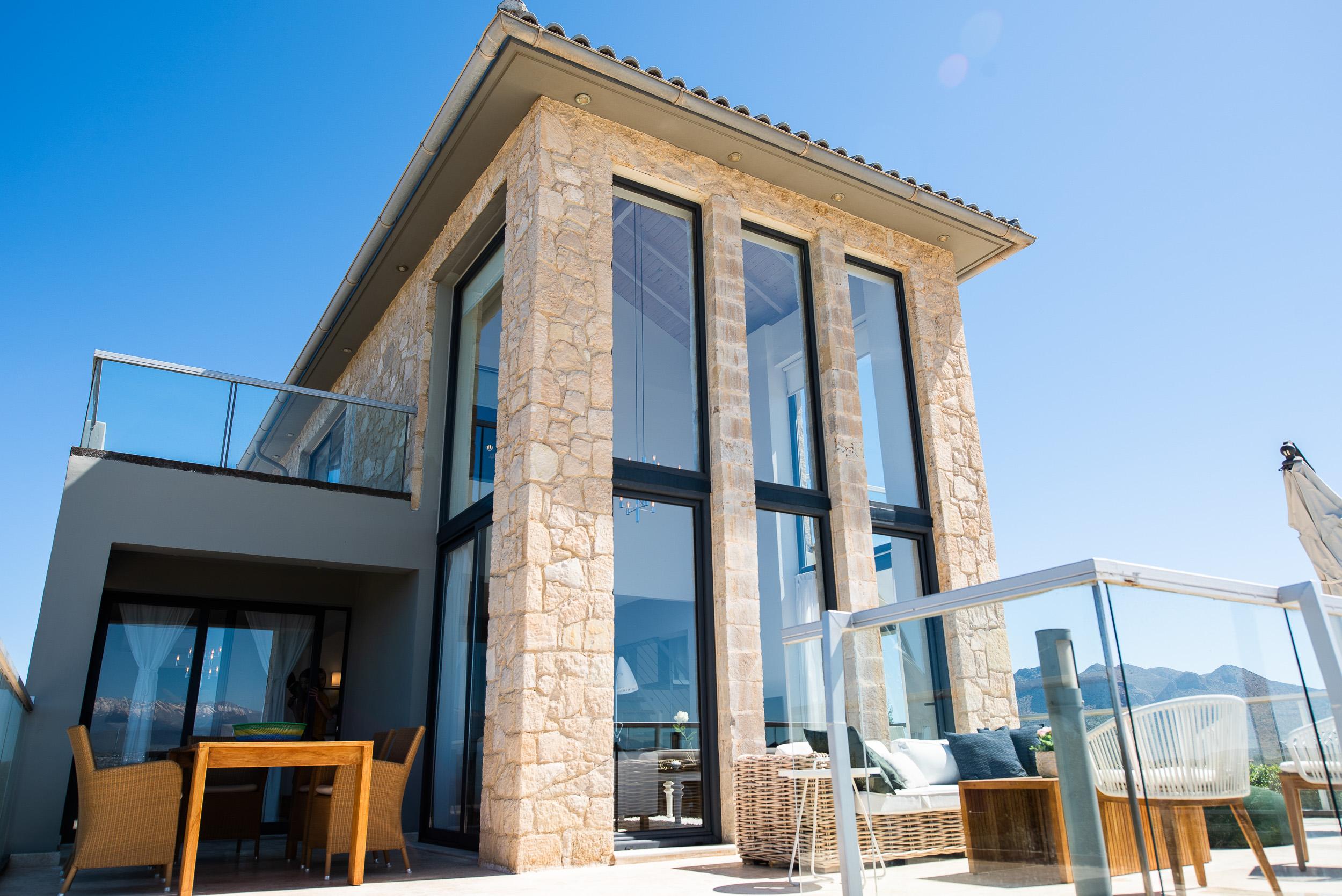 hotel for sale in crete akrotiri tersanas