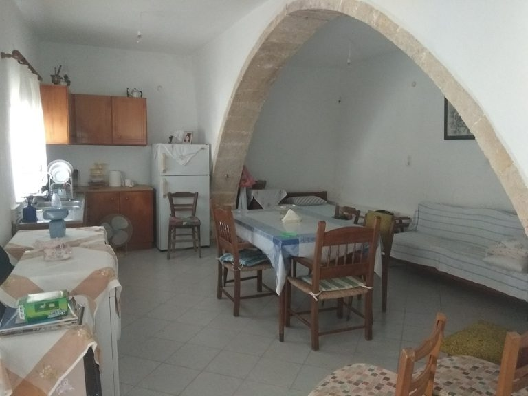 Old stone house for sale in Kissamos Chania Crete internal area ch105