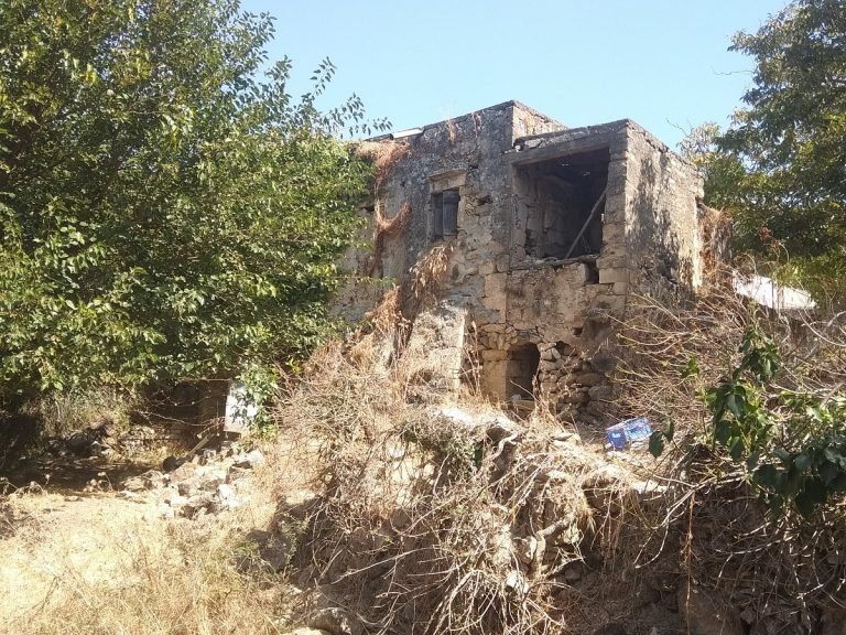 Old stone house for sale in Kissamos Chania Crete external ch105