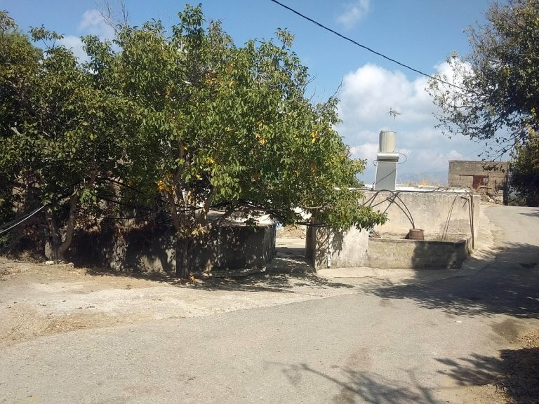 Old stone house for sale in Kissamos Chania Crete facade ch105