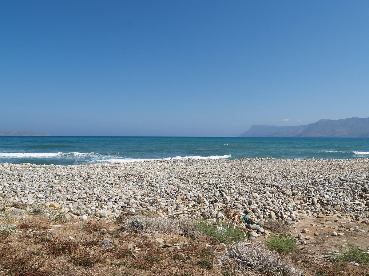 Seafront plot of land in Chania Crete for sale cl074