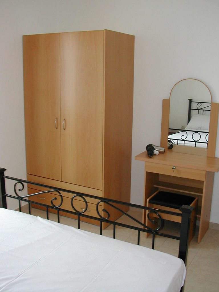 villas for sale in chania wardrobe