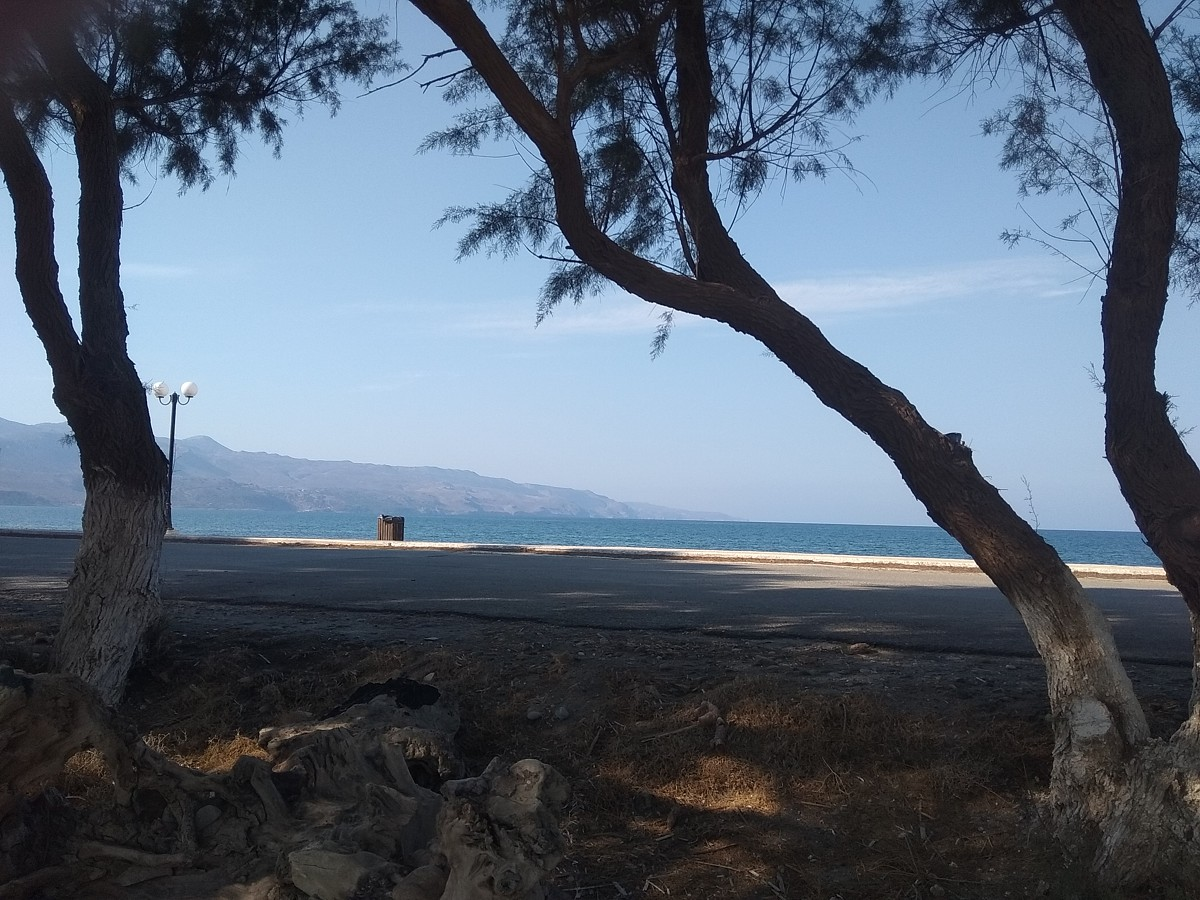 Seafront hotel for sale in Kissamos Chania Crete beach access cl076
