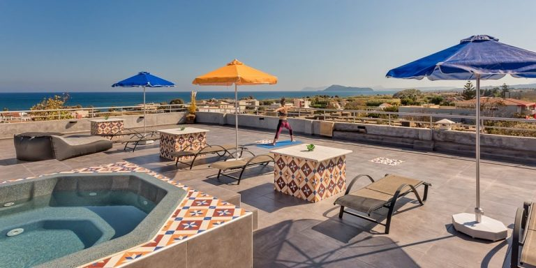 Guesthouse for sale in Chania Crete rooftop ch108